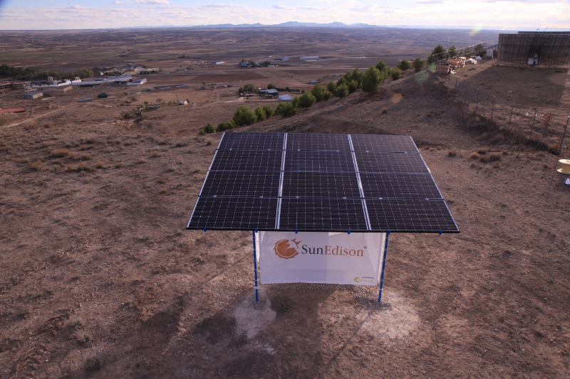 sunedison sune outdoor microstation solar power panel