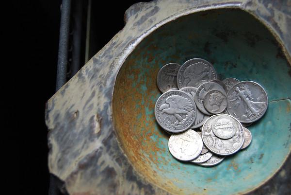 silver coins 600x401